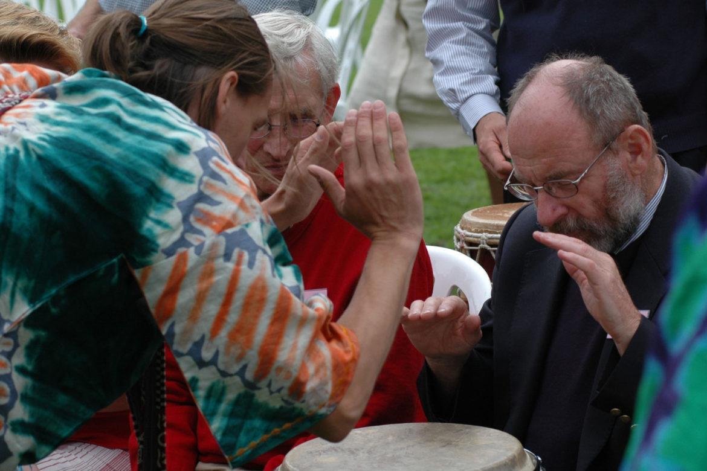 Je bent nooit te oud om Afrikaans trommelen te leren!