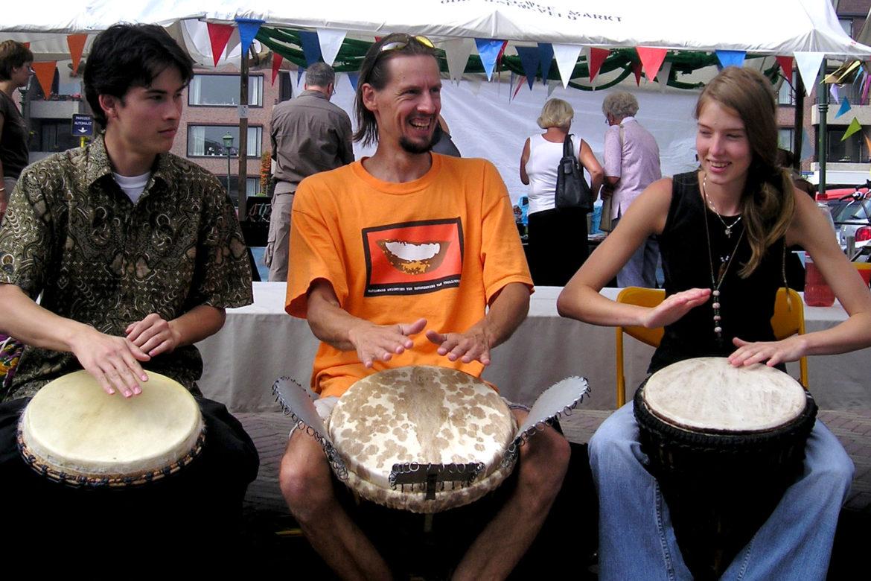 De Trommelkraam - Afrikaans trommelen leren in 10 minuten tijdens markten en festivals